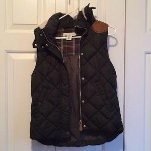 H&M black quilted vest